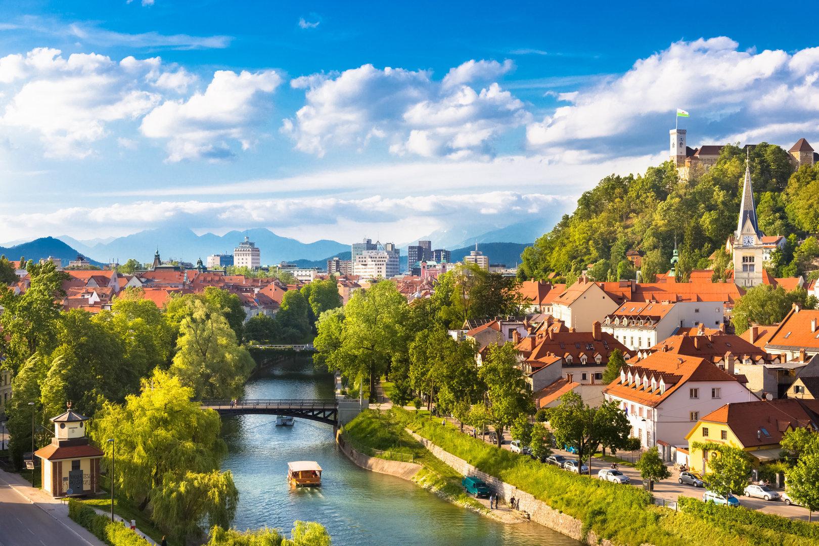 Виза в Словению для россиян в 2019 году: правила оформления